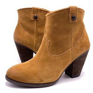 Vince Camuto 7M Suede Ankle Boots